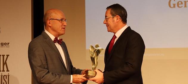 """Bayındır Sağlık Grubu Genel Müdürü Sezai Sevgin """"Yılın En Başarılı Sağlık Yöneticisi"""" Seçildi"""