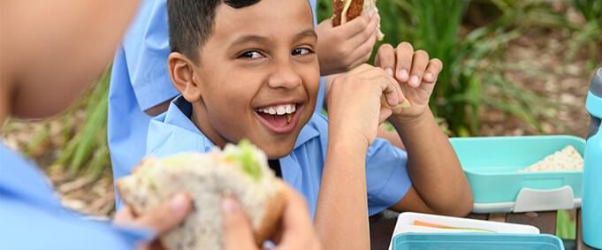 Çocuklara Yemek Yedirmenin Kolay Yolları