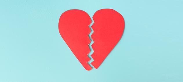 Kalbinize Sevgiyle Bakın, Yoksa Her An Kırılabilir