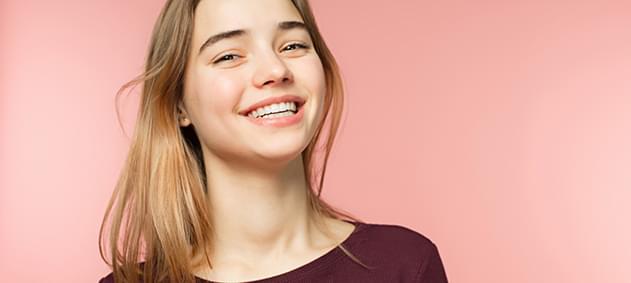 Şeffaf Plaklarla İnci Gibi Dişlere Kavuşun