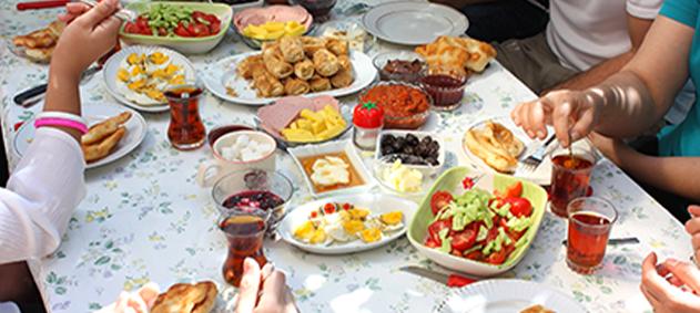 Ramazan'da Kilo Almadan Sağlıklı Beslenin