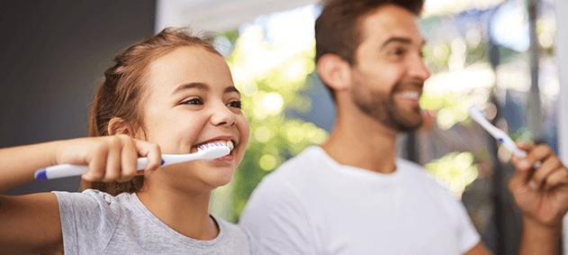 Sağlıklı Dişlerin Üç Kolay Formülü: Diş Fırçası, Diş Macunu ve Diş İpi!